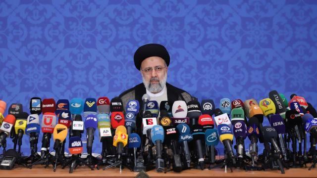 İran'ın yeni Cumhurbaşkanı Reisi'den ABD'ye ilk mesaj