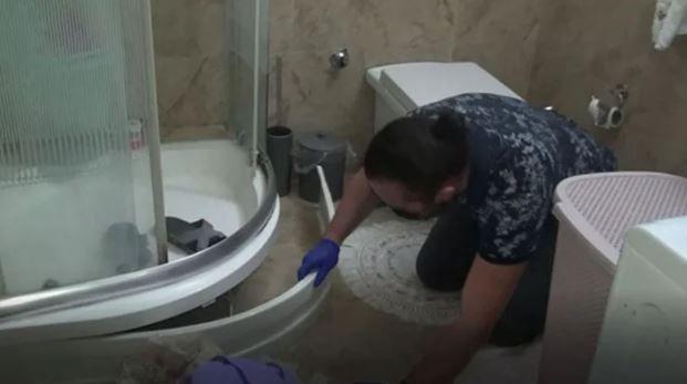 Denizli'de yapılan operasyonda duşakabinden ByLock yüklü telefon çıktı
