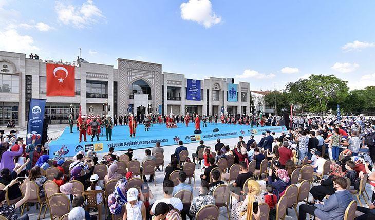 ''Konya 'başşehirlik' vasfını yaşayan ve yaşatan bir şehirdir'!
