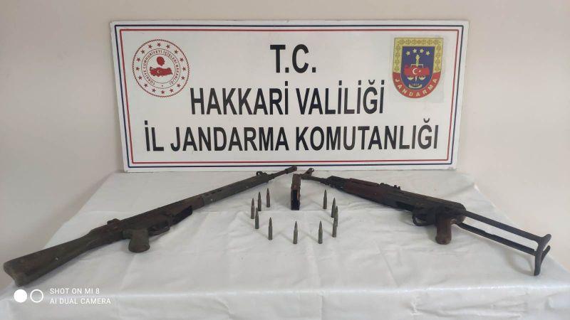 Hakkari'de terör örgütü PKK'ya ait silah ve çok sayıda mühimmat ele geçirildi