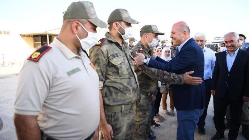 İçişleri Bakanı Soylu, Afrin ve Azez'de güvenlik güçleriyle bayramlaştı