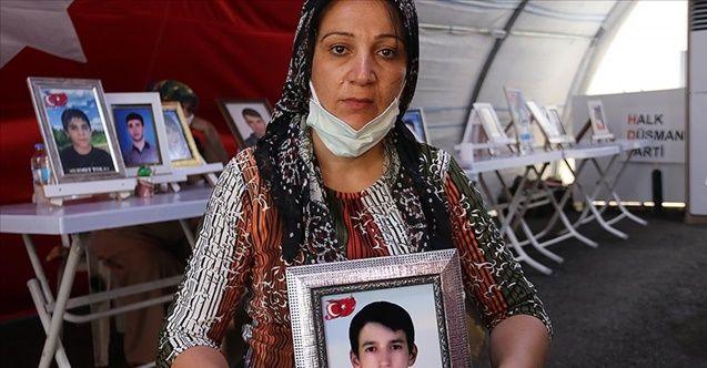 Acılı anne 14 yaşında dağa kaçırılan oğlu için nöbette