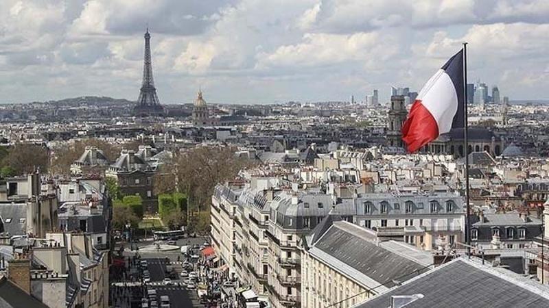 Fransa'da imam, kendisini görevden aldıran Bakan hakkında suç duyurusunda bulundu