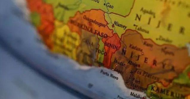 Nijerya'da şiddetli yağış sonucu otoyol çöktü: 18 ölü