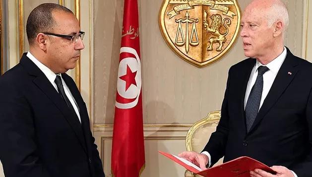 Tunus'ta darbe! Meclis yetkileri donduruldu, Başbakan Hişam el-Meşişi görevden alındı