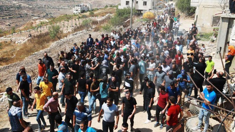 İşgalci İsrail askerlerince vurularak hayatını kaybeden Filistinli genç son yolculuğuna uğurlandı