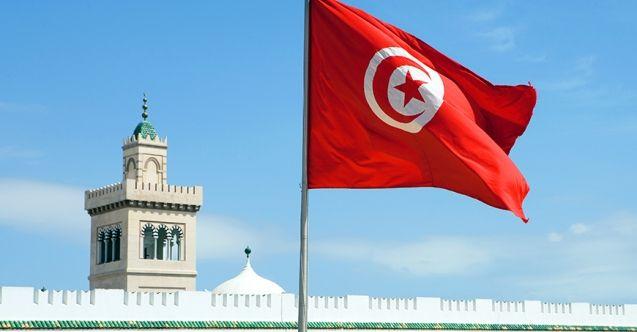 Darbeciler Tunus'ta eski savcıya 'suçları gizleme' iddiasıyla ev hapsi verdi