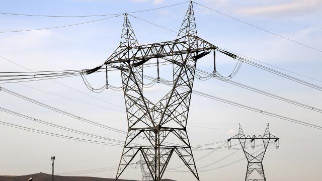 Enerji Bakanı'ndan elektrik kesintilerine açıklama