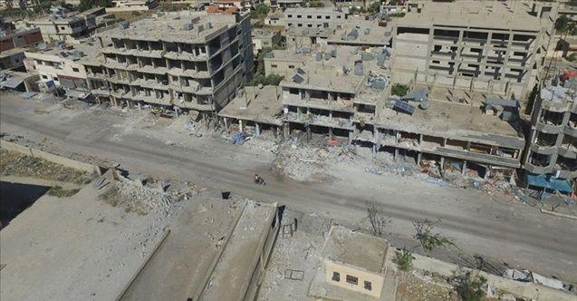 AB, katil Esed'in sivilleri vurduğu Dera'yı gördü