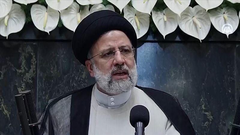 İran'ın yeni Cumhurbaşkanı Reisi yemin ederek resmen görevine başladı