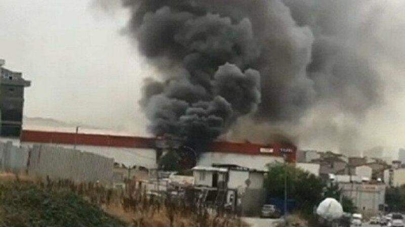 İstanbul Esenyurt'ta lojistik firmasında yangın çıktı