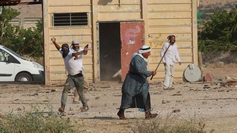 İsrailli Sivil İşgalci Yahudilerden Filistinli çiftçilere saldırı