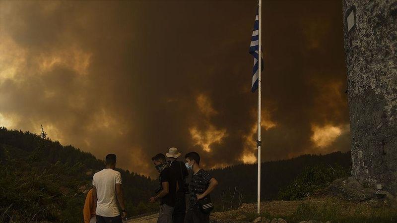 Yunanistan'da yangın söndürme uçağı düştü