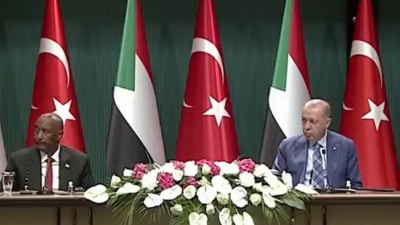 Cumhurbaşkanı Erdoğan, imza töreninde konuşuyor