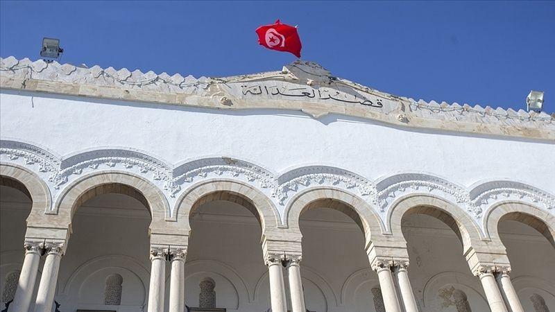 Tunus'ta birinci parti Nahda Hareketi, ülkedeki siyasi krizin yönetilmesi için 'özel yetkili komite' kurdu