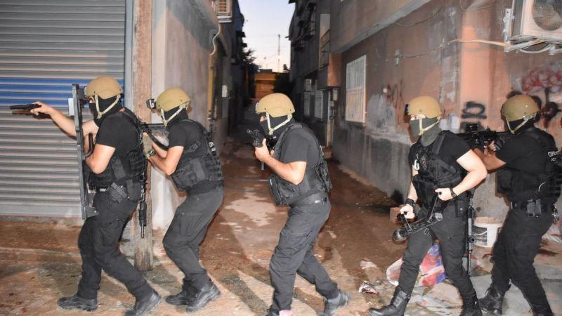 Adana'da PKK operasyonu: Korsan gösteri hazırlığındaki 26 kişi yakalandı!