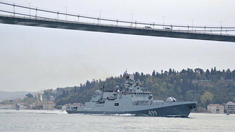 Rus Savaş gemisi İstanbul Boğazı'ndan geçiş yaptı