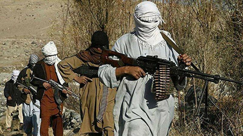 Taliban, Afganistan'da 3 vilayet merkezi daha kontrol altına aldı