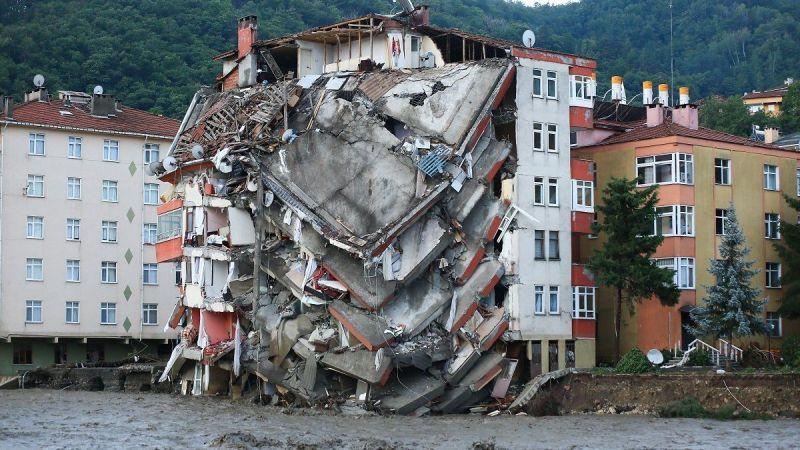 Selde çöken binanın müteahhidi için Başsavcılık kararını verdi