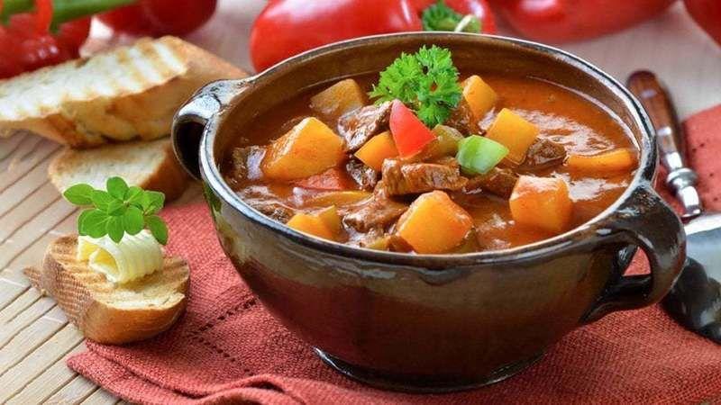 MasterChef Gulaş Tarifi! Macar usulü Gulaş nasıl yapılır, nasıl pişirilir?