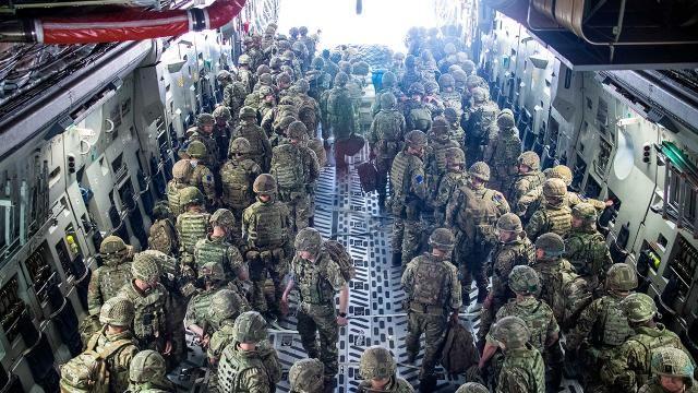 İngiltere Savunma Bakanı'ndan Afganistan açıklaması: Hesapta geri döneceğimiz yok