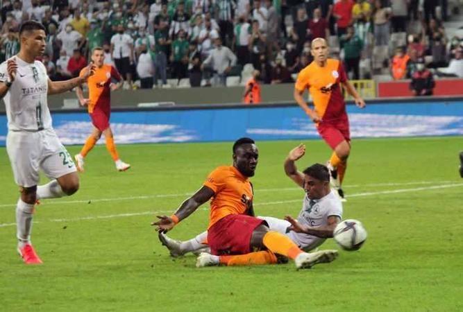 Galatasaray fişi ilk yarıda çekti! 2-0