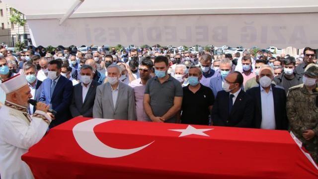 Uçak kazasında vefat edenler için cenaze töreni düzenlendi