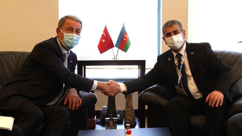 Milli Savunma Bakanı Akar, Azerbaycan Savunma Bakanı Hasanov ile görüştü
