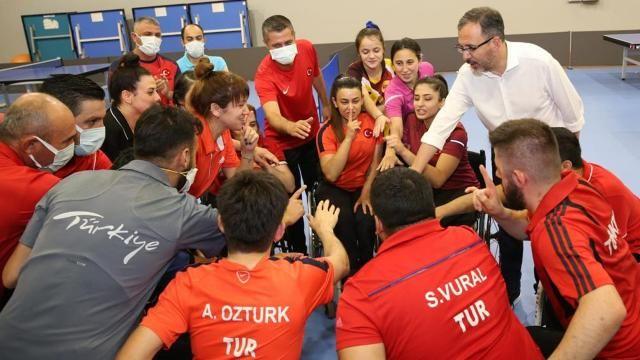 Bakan Kasapoğlu'ndan paralimpik sporculara destek ziyareti