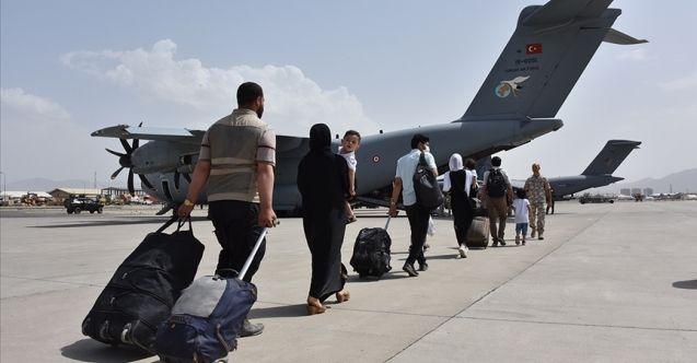 200'ü aşkın Türk vatandaşı daha Kabil'den tahliye edildi