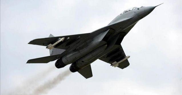 Rusya'da Mig-29 savaş uçağı düştü: Pilot öldü