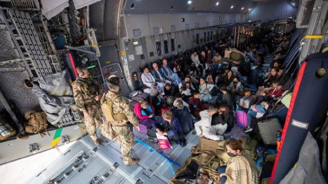BM'den Afganistan'ın komşularına sınırlarını açma çağrısı