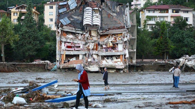 Karadeniz'deki selde ölü sayısı 81'e yükseldi