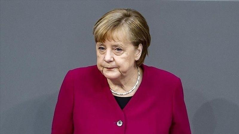 """Almanya Başbakanı Merkel: """"Taliban'ın ülkeyi kontrol altına alması üzücüdür. Ancak bu bir gerçek"""""""