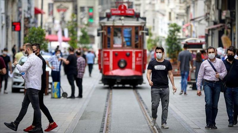 Vali Yerlikaya İstanbul'da aşı olan kişi sayısını açıkladı