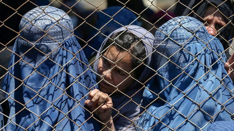 CIA'den Afganistan propagandası! Kadınlara zulüm haberleri uydurun