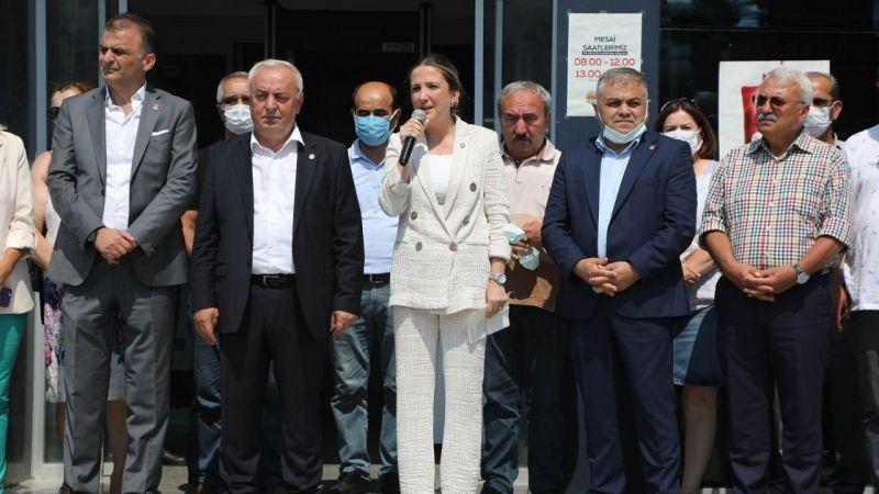 Atakum Belediyesi önünde yalan tiyatrosu