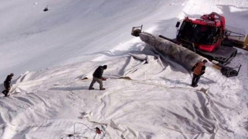 İsviçre'de bir dağı örtülerle kapattılar