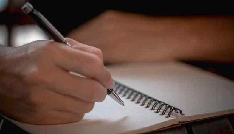 Yalnız mı, yanlız mı? TDK sözlükte doğru yazılışı hangisidir?