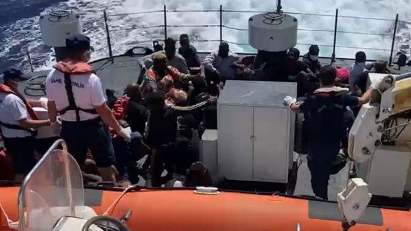 Muğla'da Yunan unsurlarınca Türk kara sularına itilen 39 düzensiz göçmen kurtarıldı