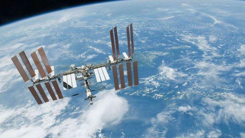 Rus kozmonotlar Uzay İstasyonu'nda çatlak tespit etti!