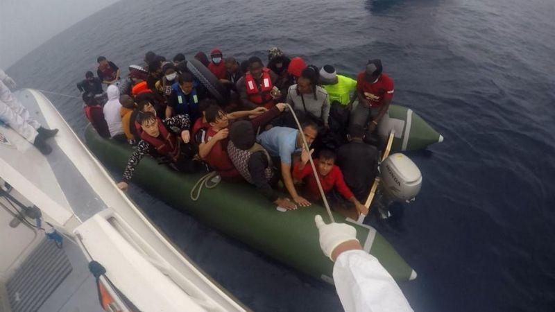 Yunanistan'ın ölüme terk ettiği 6 bin göçmeni Türkiye kurtardı