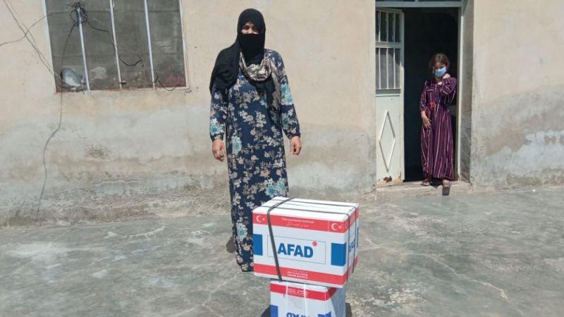 AFAD, Tel Abyad'da 2 binden fazla gıda ve hijyen seti dağıttı