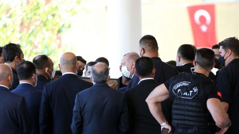 Erdoğan, cami cemaatine seslendi: Bizi bölmek isteyenlere fırsat vermeyelim