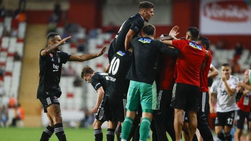 Beşiktaş geriye düştüğü maçta 3-2 galip geldi! İşte Antalyaspor Beşiktaş maçı özeti