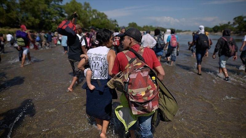 Haitili on binlerce göçmen ABD sınırlarına girdi! Zor şartlar altında bekletiliyorlar