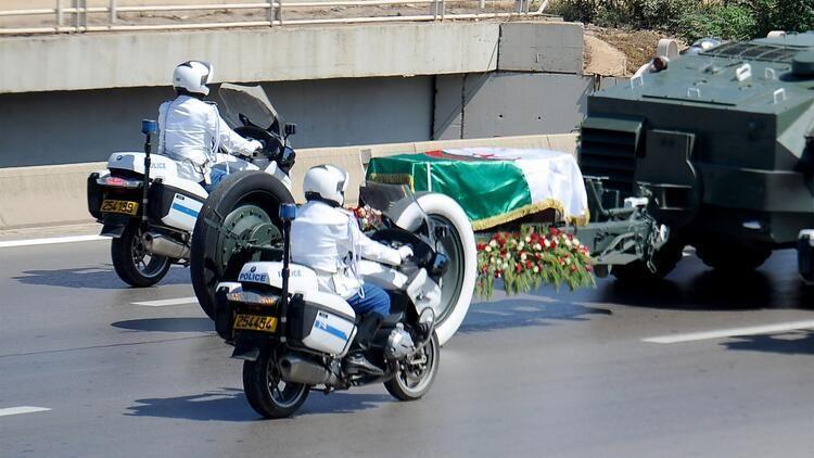 Cezayir'in eski Cumhurbaşkanı Buteflika toprağa verildi