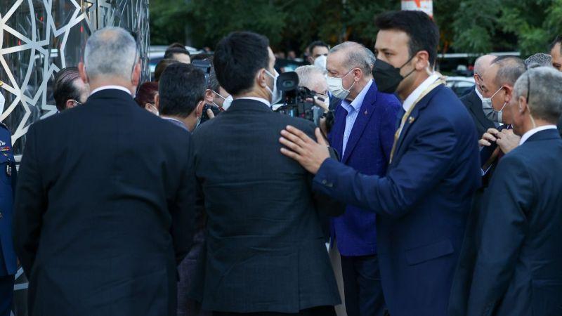 Cumhurbaşkanı Erdoğan, New York'ta açılışını yapacağı Yeni Türkevi Binası'nda incelemelerde bulundu