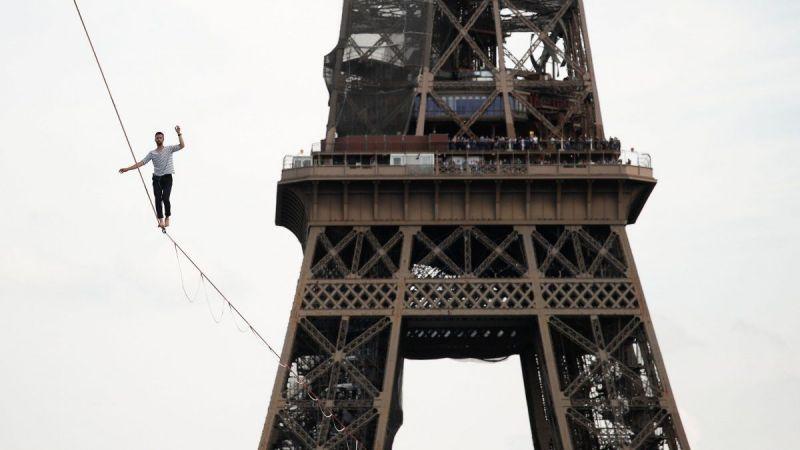 Fransız ip cambazının nefes kesen gösterisi: 600 metre yürüdü