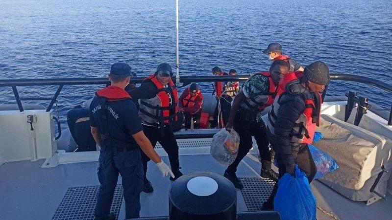 Muğla'da Türk kara sularına geri itilen 16 düzensiz göçmen kurtarıldı